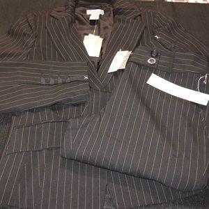🔥$75🔥Ann Taylor 2pc suit NWT size 2